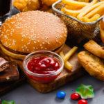Iată ce alimente pot favoriza apariția cancerului!