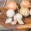 Ceapa și usturoiul, două arme puternice împotriva cancerului colorectal