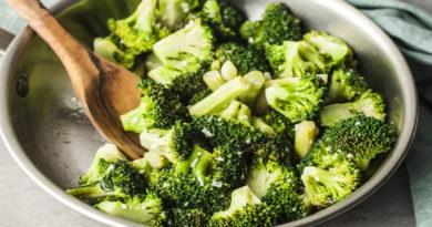Broccoli și alte legume crucifere pot ajuta organismul să lupte cu tumorile