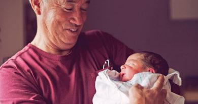 Vârsta tatălui poate influența starea de sănătate a nou-născutului